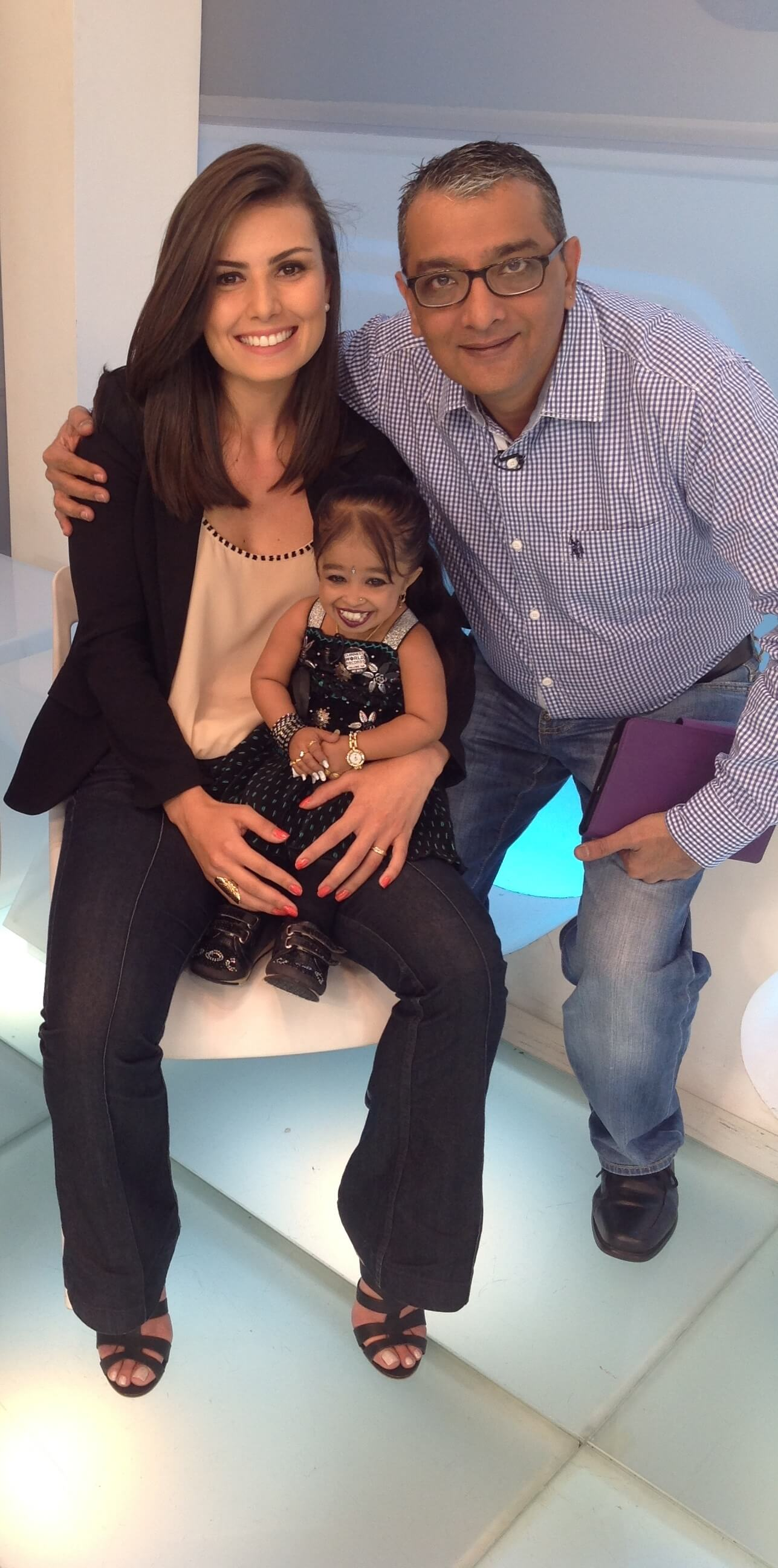 Mr. Dinesh Govindani with Jyoti Amge and Brazilian reporter Nathalia Arcuri