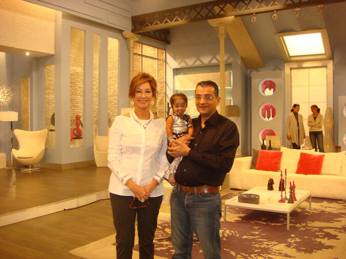 Mr. Govindani with Ana Rosa Quintana and Jyoti Amge at the studio of El Programa de Ana Rosa in Spain