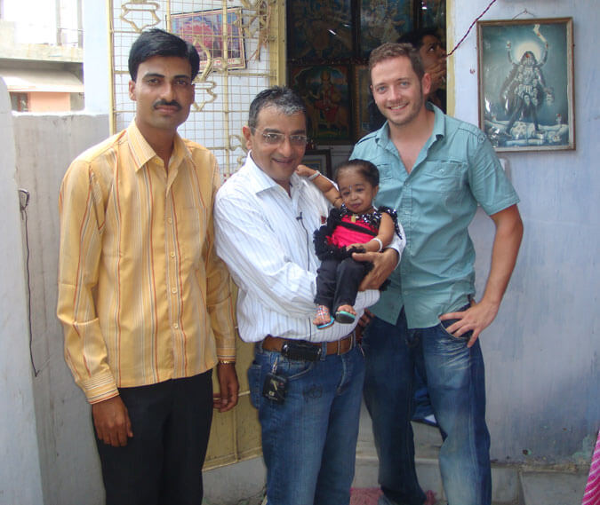 Mr. Dinesh Govindani and Reporter Mr. Salvador from Tele5 Spain (Rojo y Negro) with Jyoti Amge, currently the World´s smallest girl according to the Guinness Book of Records
